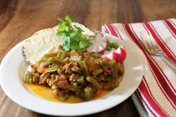Chorizo con Nopales1