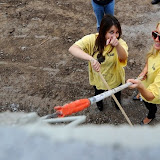 Paris Hilton performs community service with Hollywood Beautification Team (10).jpg