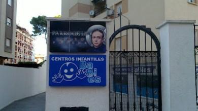 Cartel en la Calle Manuel Caballero