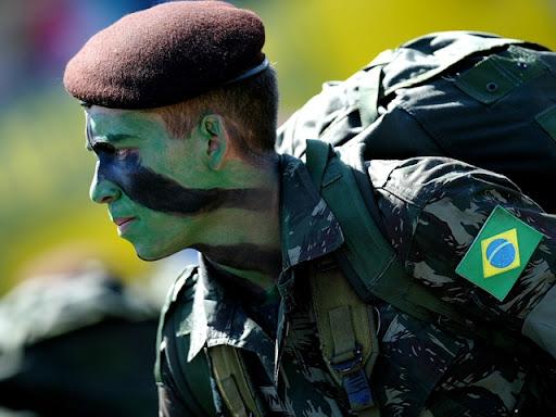 https://i0.wp.com/lh5.ggpht.com/_ktn2DmlkK9g/S2rYOmPM31I/AAAAAAAACEQ/_gWy8022zGs/Historia-Listas-Exercito-Brasil.jpg