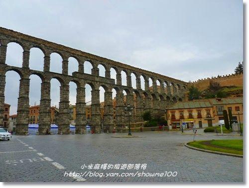 跟著小米麻糬去旅行(Showme's Travel): 【西班牙。景點】冬天的歐洲-西班牙賽哥維亞(Segovia)水道橋的相遇