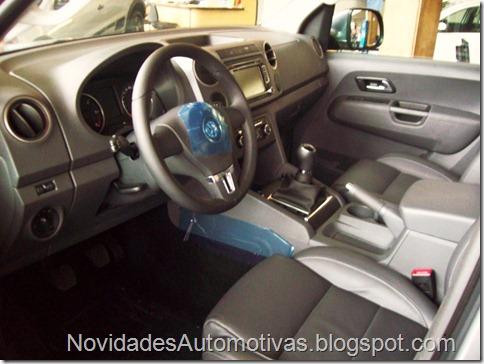 Nova Volkswagen Amarok 4x4 2011 higline trendline (10)