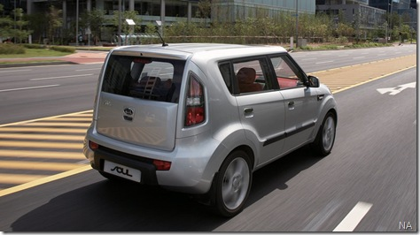 Kia-Soul_2009_800x600_wallpaper_14