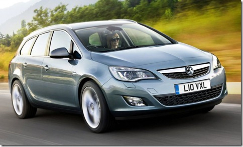 Vauxhall-Astra_Sports_Tourer_2011_800x600_wallpaper_02