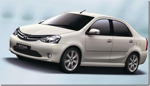 S0-Salon-de-New-Delhi-Toyota-Etios-concept-la-Logan-indo-japonaise-152283