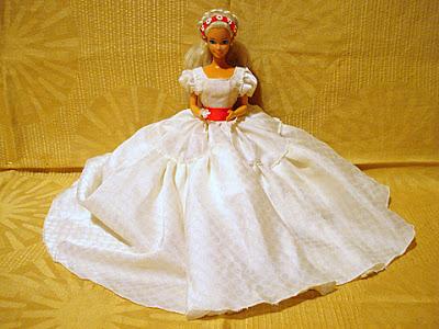 кукла барби церемониален костюм