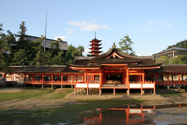 Templo con marea baja