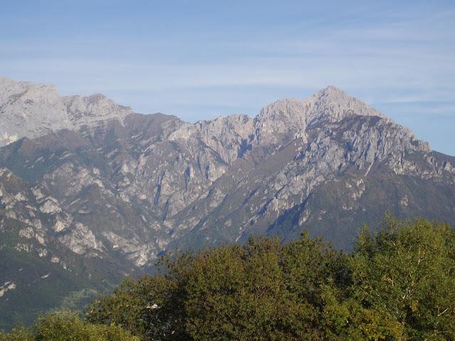 Vista della Grigna dalla Madonna del Ghisallo