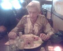 Oma met Argentijnse ham en meloen
