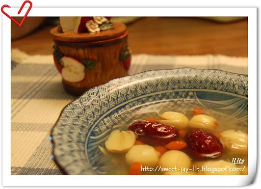 小婦人在米國-養樂多乖!!: 夏日甜湯/薑汁黑糖蕃薯湯/冰糖蓮子湯