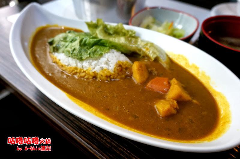 咕嚕咕嚕火鍋館|台中東海商圈假日吃午餐何處去?巷仔內美食餐廳:咕嚕咕嚕火鍋館 挺不賴。