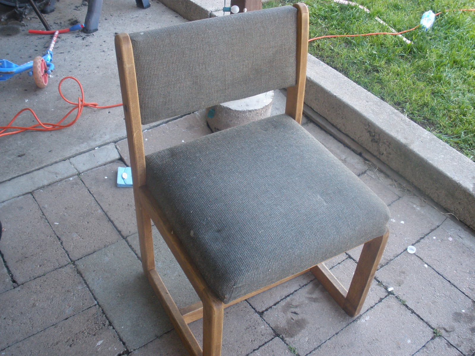 Ugly Chair Bee Currency Diy Old Ugly Chair
