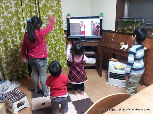 NHK教育のクリスマス特集で夢をふくらます四人衆、、、(^-^;