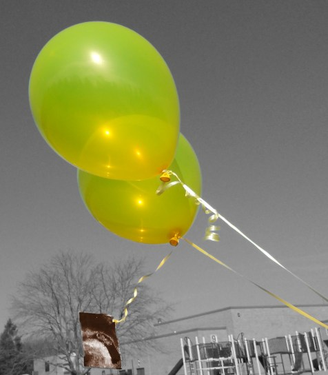 yellow balloons for miscarriage via muddybootsanddiamonds.com