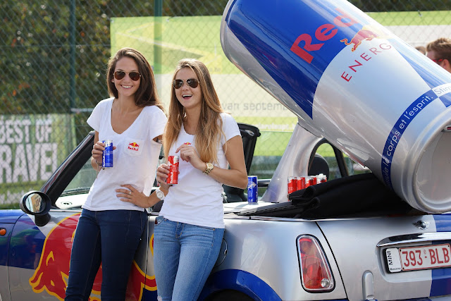Red Bull promomeisjes