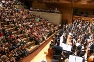 Una sala llena disfrutó de la enérgica batuta del director venezolano y la orquesta emblema de El Sistema