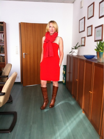 Office-Style rotes Kleid