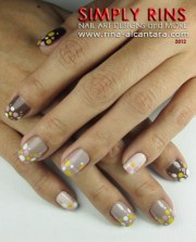 nail art brown ombre and dots