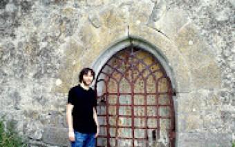 The door to Donore Castle