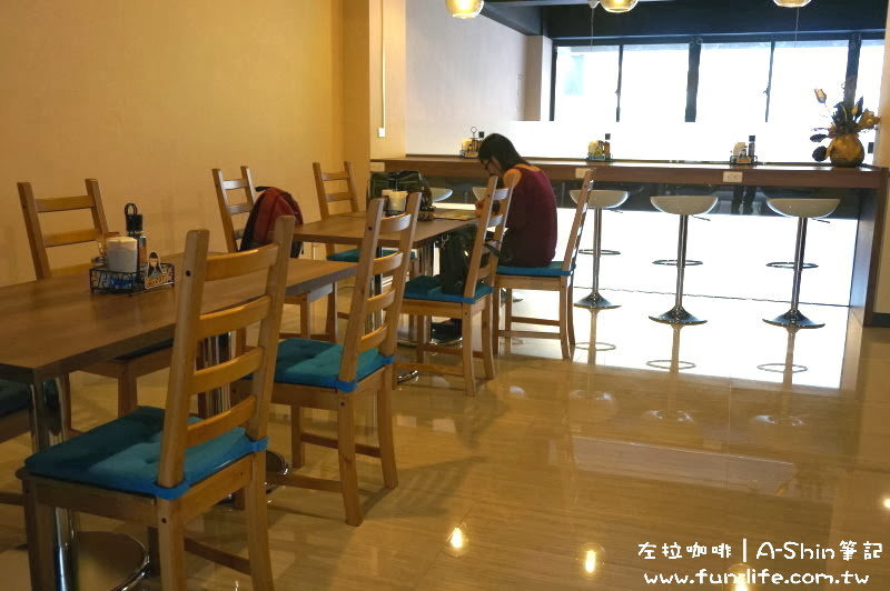 二樓空間寬敞-ZOLA左拉咖啡館