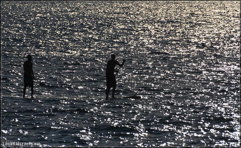 Одно фото / Израиль, Тель Авив, Ходящие по воде