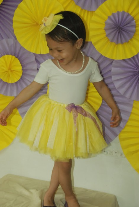 290959f90 Creating A No Sew Tutu For A Baby Girl - Mommy Pehpot