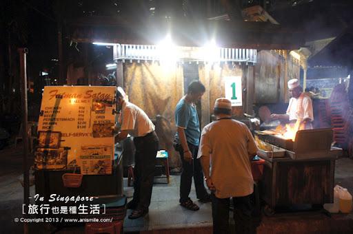 【走走新加坡】露天沙嗲派對 老巴剎小吃