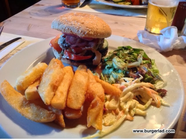 The Tunnel House Inn Burger Review