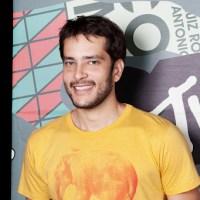 MTV se apressa e renova contrato com o humorista Bento Ribeiro