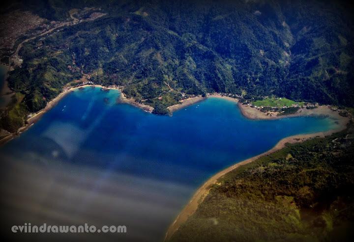 Pemandangan dari atas Bandara Minangkabau Padang