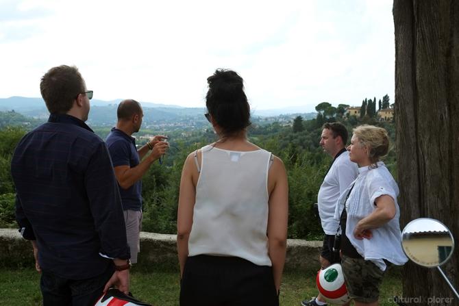 Exploring Tuscany On A Vespa Cultural Xplorer
