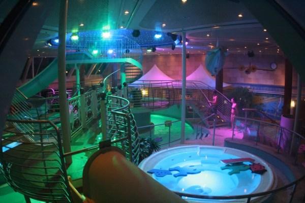 Wasserratten können auch ins etwas größere Schwimmbad