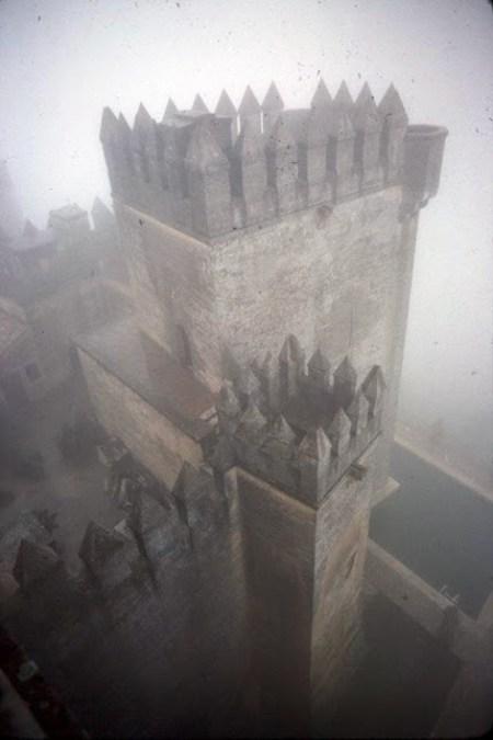 Vista, desde arriba, de las torres del castillo de Almodóvar del Río