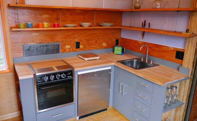Utuy Design Tiny House Kitchen