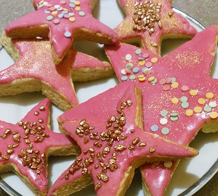 cookies recipe, the pretty week, maltese church, swaddled cat, stars cookies for christmas