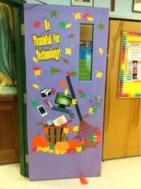 A Techy Teacher with a Cricut: Fall themed computer lab door