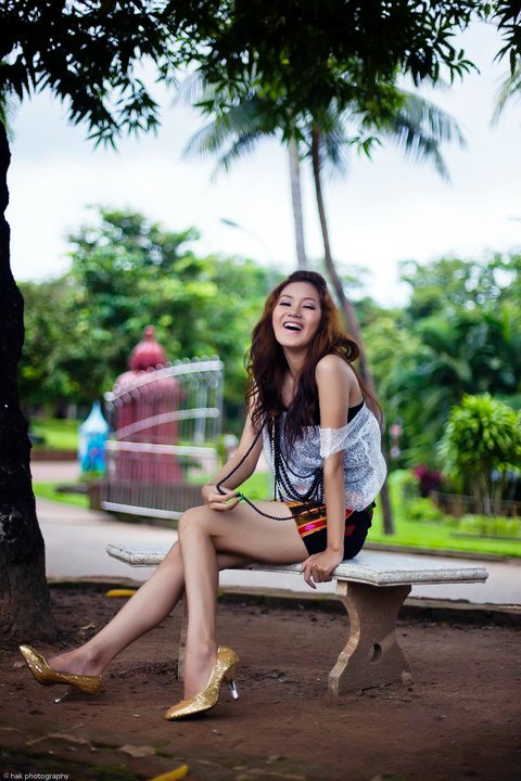 Myanmar Sexy Model, Kachin Girl Awn Seng's Hot Fashion Photos