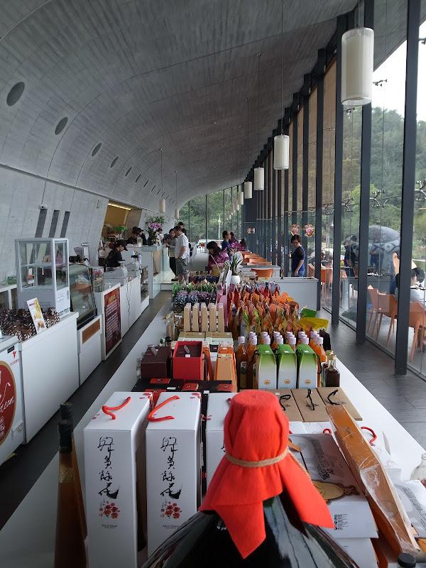 日月潭-臺灣製的老品牌山水和新品牌咖啡 惠蓀咖啡 - 言不及義的流浪癖 - udn部落格