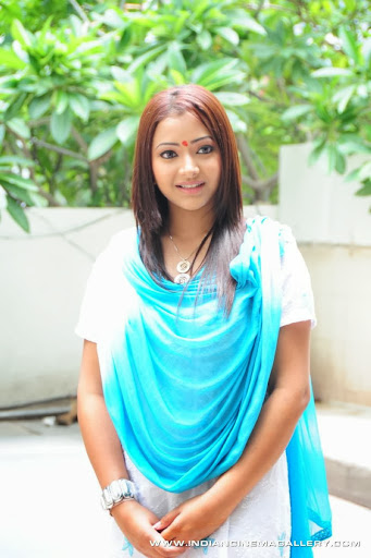 Shweta Basu Prasad Photos