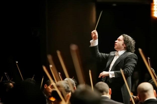 Gustavo Dudamel regresa al escenario de la Sala Simón Bolívar para dirigir a su orquesta matriz