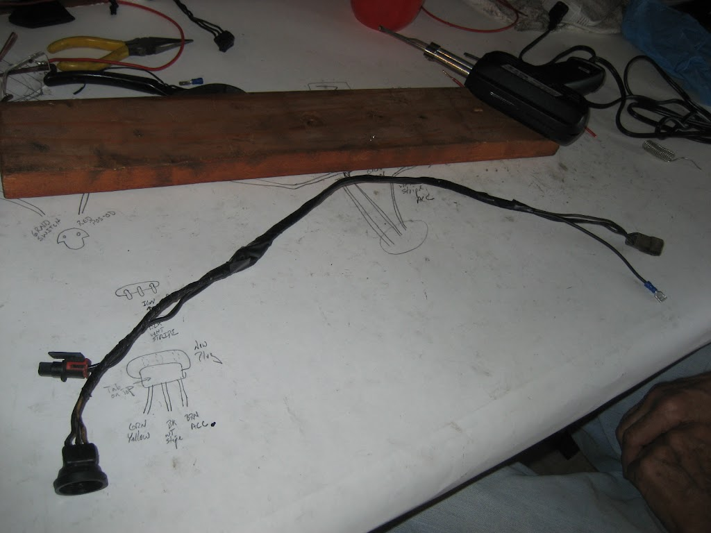 hight resolution of the ground wire will ultimately run to a ground to complete the circuit this length of ground wire will be where you put the switch when the switch is on
