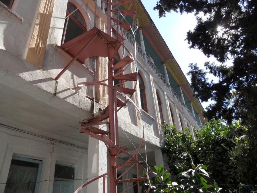 Manisa Akhisar oteli avlusu