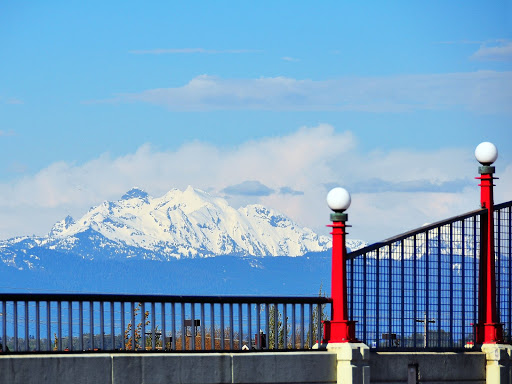 Mountain and bridge on Pacific Avenue, Everett, WA