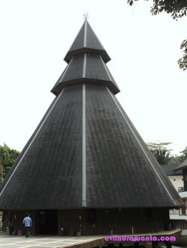 rumah papua taman mini