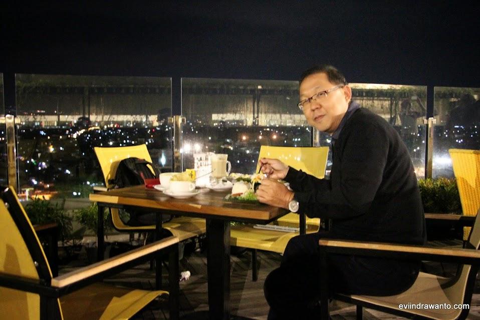 makan malam romantis di skygarden best western oj hotel