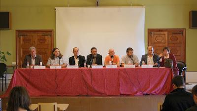 Els caps de llista a les eleccions municipals i la directora del centre