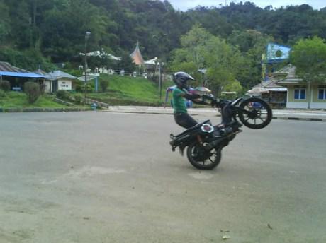motor cycle free style payakumbuh