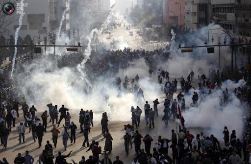 https://i0.wp.com/lh5.googleusercontent.com/_PQcPYfGhKuY/TVKg-piMjHI/AAAAAAAABDU/RGrRfdzCmKs/jan25_protests_egypt_revolution_0011-550x360.jpg