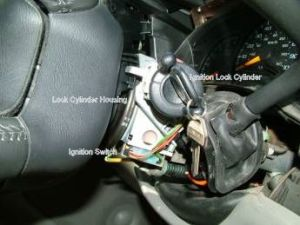 SilveradoSierra • How to Replace an Ignition Switch in a 2000 Silverado : HowTo Articles