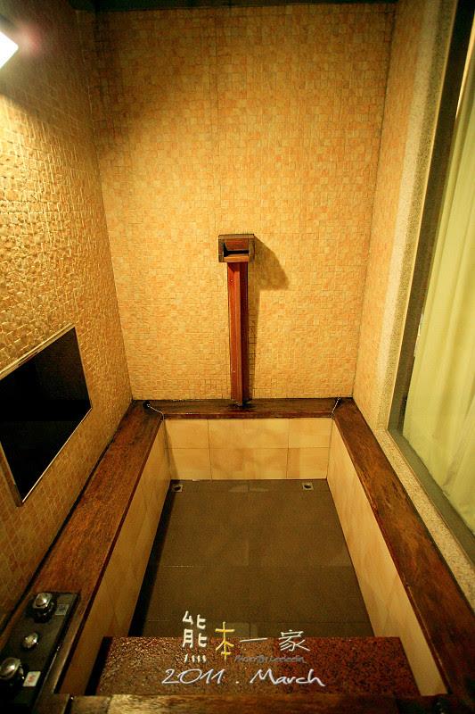 [新北土城汽車旅館] 有馬溫泉Motel~沒有景觀的露天湯池   熊本一家の愛旅遊瘋攝影